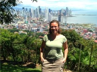 Woman standing in front of Panama city viewpoint